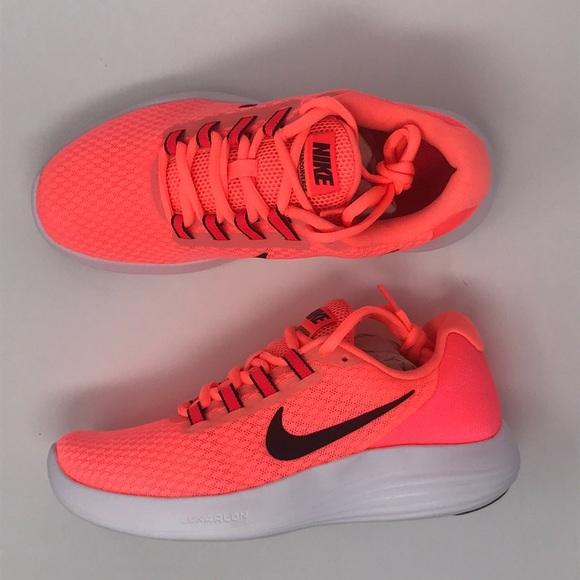 9f8ce4ce3861 Nike lunar converge woman s bright coral pink